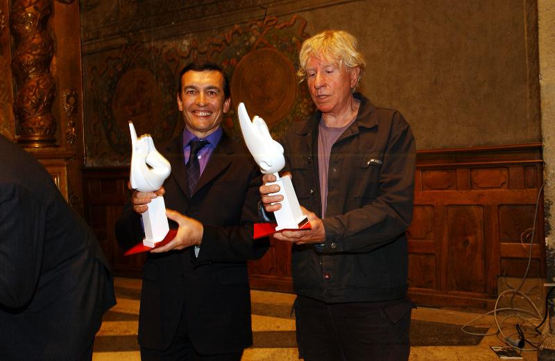 Docteur E. Arnaud-Crozat et Pavloff (ecrivain) élus Hommes de l\'année 2004 par le Club de la Presse de Grenoble et de l\'Isère